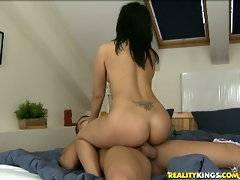 Naomi rides that cock.