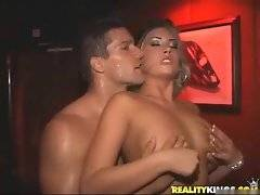 Sweetes sex that i ever seen and they fucks in the VIP