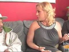 Blonde mom catches her son stealing from her purse.