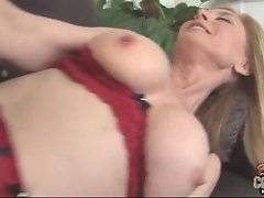 Older blonde slutie demonstrates her good sexual skills.