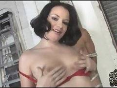 A sex fiend likes to watch her going interracial fuck session
