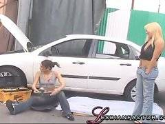 Lesbian tried to help with a broken car but decided to make love
