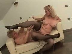 Naughty brunette wants to lick her old kitty