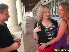 In this porn video you can see lovely princesses
