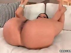 Sexy milf is longing to feel thick dick in her pussy.