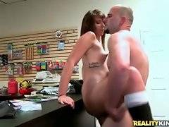 Dude with big stick is drilling her vagina