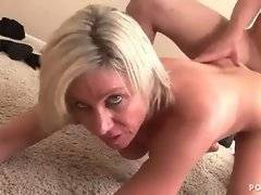 This mature chick loves to be fucked doggy style.