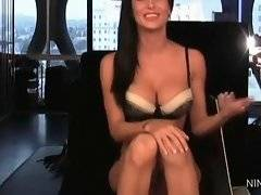 Young and pleasing Jessica Jaymes wants to have sex