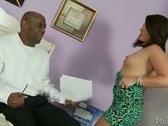 Ebony boss wants to have sex with his secretary