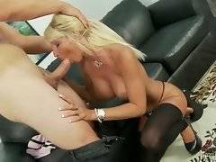 In this porn video you can see sexy princess