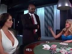 Brunette lady loses her boyfriend in pocker.