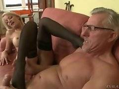 In this porn video you can see fine cock sucker