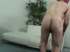 Slut with beautiful ass is having awesome bang