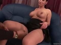 Cock hungry brunette chick starts to suck black dude.