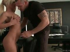 In this porn video you can see kinky slut