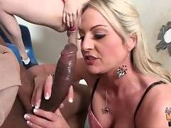 In this porn video you can see attractive Sindy Lange