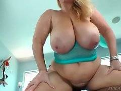 In this porn video you can see dirty Samantha
