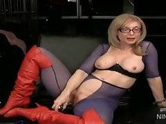 In this porn video you can see skillful Nina Hartley
