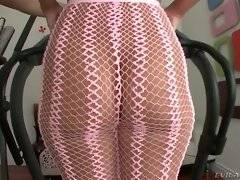 Pretty chick demonstrates her juicy round ass.