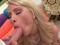 Hot Jessica Nyx wraps her lips around Mike Adriano's dork.