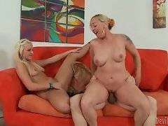 Experienced milf slurps juicy dick while her daughter rides guy`s face.