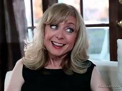 Jada Stevens comes to her boyfriend`s mom Nina Hartley for an advice.