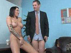 Gorgeous therapist teaches her patient how to eat pussy.