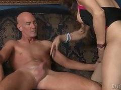 Breasted tranny gets her dong sucked by horny dude.