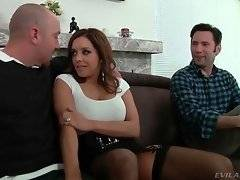 Will thought Francesca is bluffing about threesome but she`s ready to do it.