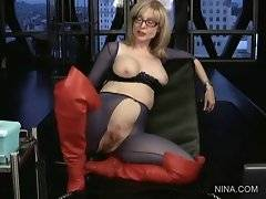 Famous Nina Hartley is answering to her fans`s comments.
