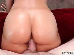 Tough guy penetrates awesome Rachel Starr with all his muscular strength.