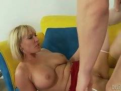 Jerry penetrates mature hottie Mellanie Monroe with all his muscular strength.