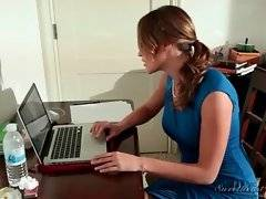 Ryan checks Dana`s laptop and finds out she is cheating on her with pretty blonde.