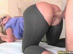 Big bottomed blond chick Julie Cash is fond of getting fucked hard.