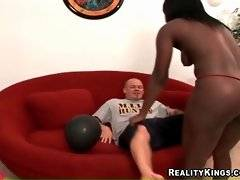 Two bootylicious chocolate hookers warm their partners up.