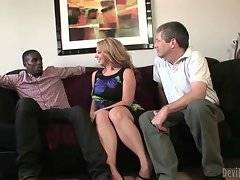 Kiki Daire wants to improve her blowjob skills to please her boyfriend.