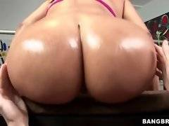 Curvaceous hooker is shaking her heavy booty for camera.