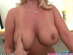 Amazing blond milf demonstrates her meaty round booty.