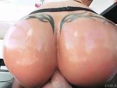 Big bottomed brunette slurps partner`s shaft ass-to-mouth.