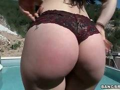 Awesome Marta La Croft demonstrates her delicious round booty.