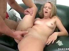 Sexy Brittney Cruise is fond of getting her pussy deeply drilled.