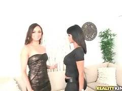 Valentina wants to have fun with the girl and Bianka is also ready to do it.